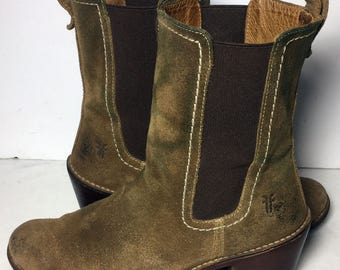Frye 77391 Carmen 7L Chelsea Olive Leather Pull On Ankle Boots Women's Size 7