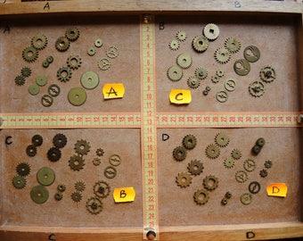Vintage clock gears / Set of 20 / Small BRASS Gears parts / alarm clock parts / Robot mix parts / brass gears / steampunk gears - g01