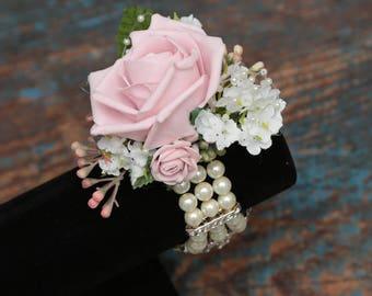 Ladies wrist corsage
