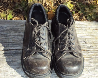 1980s-90s Womens Black/Brown Distressed Look Chunky Heel Doc Marten Platform Tie Shoes/Oxfords Size 7 US,  5 UK, 38 EU/ Vtg Doc Martens