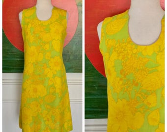 Vintage 60's Bright floral Sheath dress