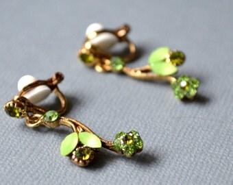Green flower clips earrings