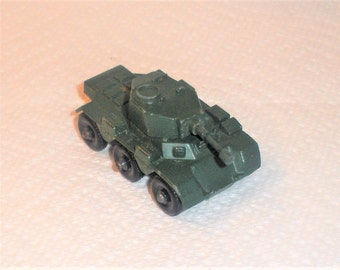 Vintage Matchbox Saladin Armored Car / 6 x 6 / Series Number 67-A1 / Made in England / Regular Wheels / Issued 1959