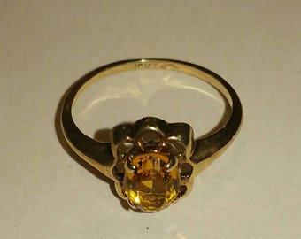Vintage  ten k citrine solitaire ring