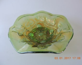 Carnival Glass Millersburg Green Blackberry Wreath Ruffled Edge Bowl