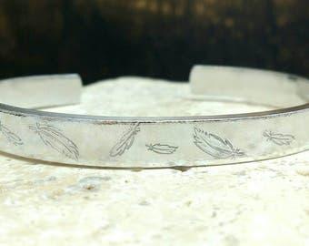 Feathers handstamped hippie boho bracelet - adjustable - handstamped - aluminium, copper, brass or sterling silver