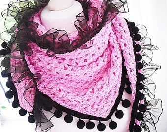 Shawl in pink Rosa with tassels and ruffles in black