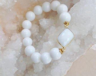 Stretch White Agate Bracelet/ Summer Resort Style Jewelry/ Stacking Bracelet