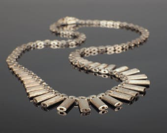 Silver Cleopatra Necklace, 70s Retro Fringe Chain