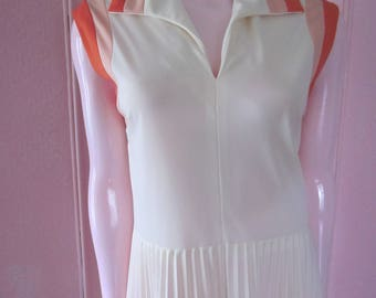 1960s Cream-Colored Jersey Sleeveless Dress with Pleated Skirt, Size 8