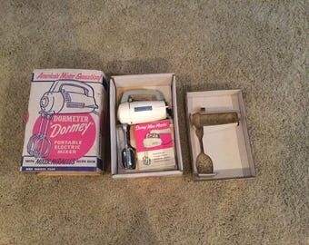 vintage 1950's Kitchen Dormey Electric Mixer Model 7500 Original Box