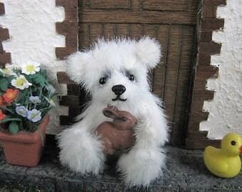 """cute Miniature Teddybear, bear, teddy, artist teddy,  """"Whesley"""" OOAK  Pippibear, 2,56 inches (6,5cm)"""