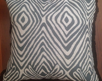 Get tribal cushion cover (50x50cm)