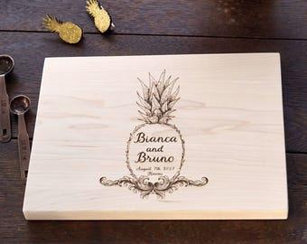 Pineapple Cutting Board, Hawaii Destination Wedding Present Tropical Decor Personalized Wedding Present Bridal Shower Gift