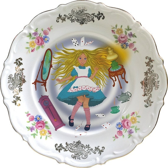 Alice in Wonderland - Falling down - Vintage Porcelain Plate - #0418