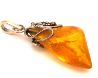 Amber Baltic Pendant Genuine 7.60 Gr Vintage Cognac Yellow Color
