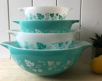 JaJ Pyrex Aqua-Turquiose and White  Gooseberry Patterned Bowls in great condition- USA sizes 441-442- 443-444