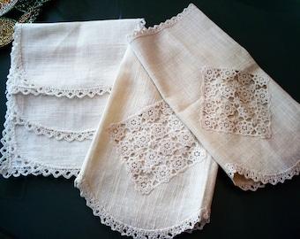 Vintage Dresser/Vanity/Chair Linen Set - Set of (5) Linens - Great Vintage Condition!!