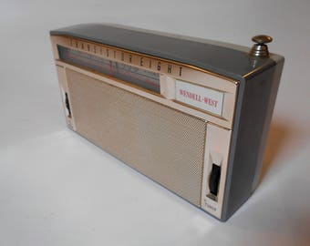 Vintage 60s Wendell West 8 Transistor AM Radio Model CR18 Works Japan