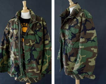 M65 Camouflage Jacket, Vintage Army Coat, Camo Jacket, Woodland Distressed Camo, 90s Grunge Jacket, Cold Weather Coat, Size Medium X-Short