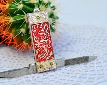 Vintage PenKnife flower, Knife Pendant, Ladies Penknife, Pocketknife Necklace, Tiny Miniature Penknife, Pocket Knife Chain, Mini Penknife