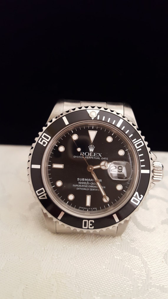 Rolex Submariner Date Watch in Stainless Steel Model#16800 -EB578