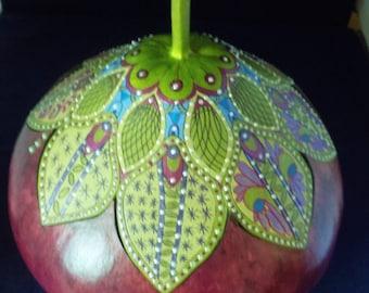gourds, gourd art, hand carved gourd, leaf zentangled gourd, decorative gourd art, painted gourds, home decor, spring leaf gourd box,