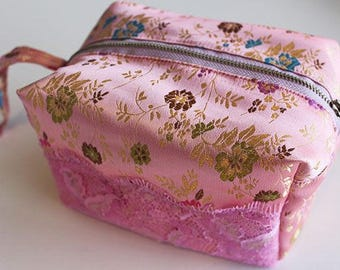 Daydream dilly bag, pouch pattern, bag pattern, bag pattern pdf, cosmetic pouch, small pouch, zipper bag pattern, zipper pouch, pdf pattern