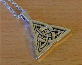 Triquetra Pendant Necklace Silver Tone Celtic Knot Necklace Trinity Knot Pagan Wiccan