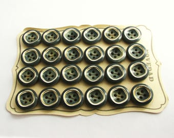 24 green retro  buttons, small 1960s buttons on cards, 19 mm or 23 mm, unused!!