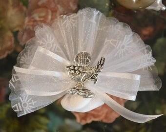 Almond favors Communion with chalice pin, favors, koufeta mementos, italian communion favors