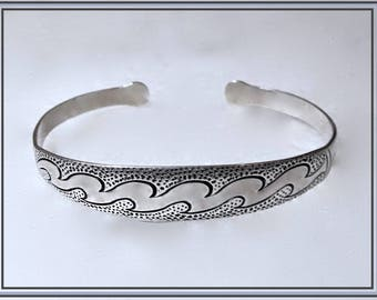 Rare Timeless Sterling Silver Cuff Style Bracelet With Engraved Wave Design, Marked 925