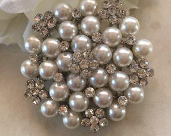 Crystal Flower Pearl Cluster Brooch, Wedding Brooch, Bridal Brooch, wedding brooches, wedding dress pin, bridal dress brooch pearl brooch pi