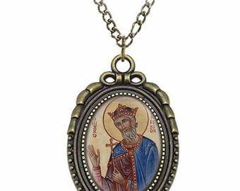 St Edward the Confessor Catholic Necklace Bronze Medal w Chain Oval Pendant Saint Vintage