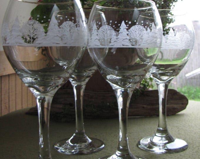 Winter Scene Holiday Wine Glasses Set of Four (4) Christmas Wineglasses Vintage Barware
