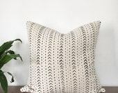 African Mudcloth Pillow // Various Sizes // Cream/Off-White/Black Arrow Print