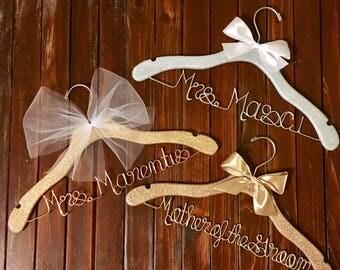 Sparkle wedding hanger. Glitter hanger. personalized hanger. Bridesmaid hanger. Bridal hanger. Sparkle Bridal gift. Rose gold hanger. gift