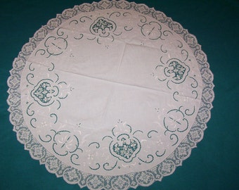 Vintage round tablecloth  Round tablecloth. Circular Table cloth.