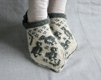 Easter slippers, bird slippers, Easter socks, bird pattern socks, gray wool slippers, gray alpaca socks, warm home slippers, Estonian socks