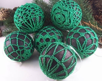 Black & Green Christmas baubles, ChristmasInJuly, CIJ, Christmas decorations, Crochet baubles, Christmas ornaments, Crochet lace, Baubles