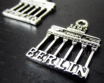Berlin Charms - 5/10/20 Wholesale Brandenburg Gate Antiqued Silver Plated Pendants C6787
