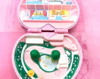 Vintage Polly Pocket Bluebird Country Cottage Pink Heart Compact