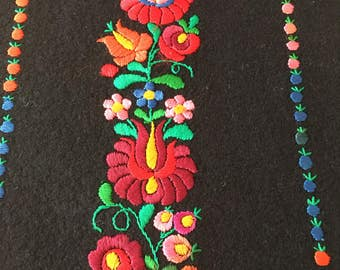 """1950's Black Felt Table Runner, Antique Hungarian Hand Embroidered Table Runner, Traditional Matyo Embroidery ,  29""""x 11"""""""