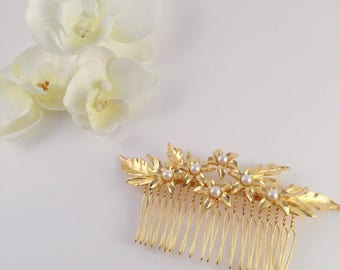 Hair comb, bridal hair comb, bridal headpiece, hair accessories, gold headpiece, gold flowers, pearls headpiece, bridesmaids, hair jewelry