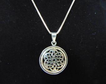 Vintage Estate Fine Sterling Silver Box Link Necklace w/ Celtic Knot Pendant 6.0g E3151