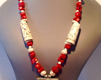 Necklace ethnic Red