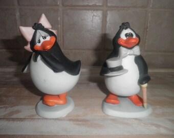 Vintage set of 1984 Robert Marble ceramic penguins