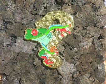 Tipper Frog Hat Pin