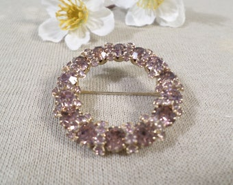 Beautiful Vintage Gold Tone Prong Set Crystal Rhinestone Circle Brooch  DL#2561