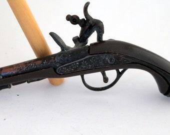 Mini Flintlock Dueling Pistol, G Washington, Vintage Cap Gun Key Chain